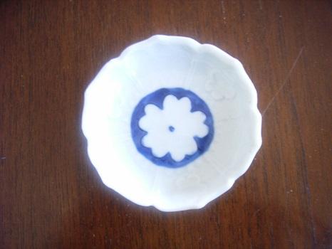 藍の花の小皿