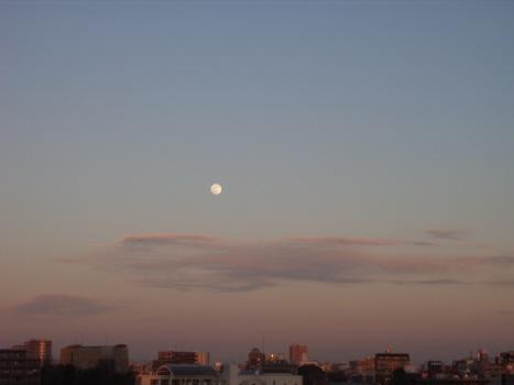 今日は十三夜の月。中秋の名月に次いで美しい月だそうです/10/6=旧9/13・庚戌