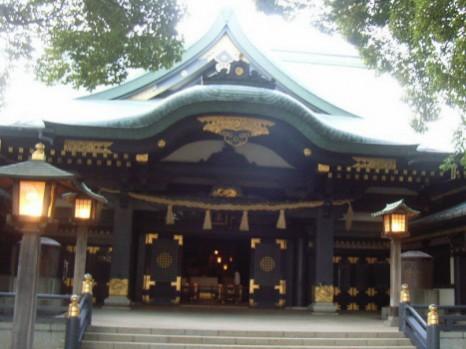 穴八幡宮 拝殿