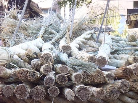 東京では早々に松の内が終わる→今日は、鳥越神社の「とんど焼き」でお正月飾りをお焚き上げします。/1/8=旧11/18・甲申
