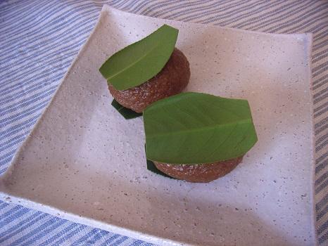 冬って、季節限定の和菓子三昧。もう、全部食べたかな…あっ!椿餅のコトを忘れてたっ!!/2/16=旧12/28・癸亥