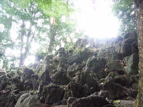 日本一の山富士山のお山開きに合わせ、江戸東京のお富士山=富士塚も今日が開山式。今日だけ登拝可能な富士塚も多数、行かなくちゃっ!/7/1=旧5/16・戊寅