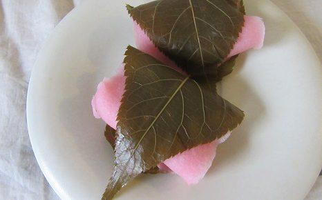 東京でも桜咲く。ならば、堂々といただきますよ!桜餅!もちろん、今日は江戸風。/3/27=旧2/30・癸丑