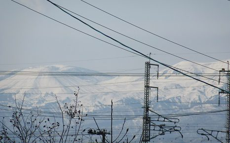 今年も、福島の「山眠る」と「山笑う」のあわいを...。まだ種まきウサギでないけど。/3/21=旧2/24・丁未