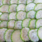 9月に入ってやっと胡瓜!夏野菜も値を下げる気配です。遅ればせながら断面眺めて、胡瓜サンドを(*'▽')/旧暦7/16・己酉